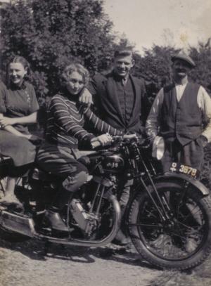 00119 - Faster eva, faster hansigne, onkel edvard og farbror