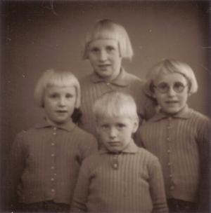 Grethe Marie Wedel Christensen, Rosa Marie Wedel Christensen, Viola Marie Wedel Christensen.