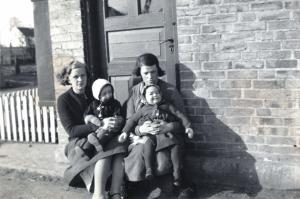 1935 Hilda, Nanna, Ane Jensen & Karen