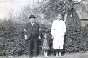 1936 Jens, Nanna, & Hilda