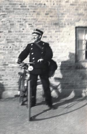 1940 Postman Hans
