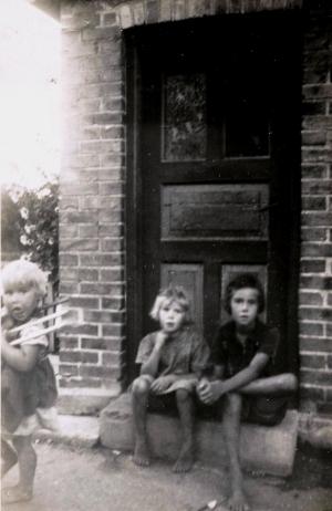 1943 Nora, Gunhild & Karen
