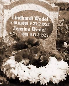 Jens Lindhart Wedel Nielsen og Jensine Wedel gravsten 2